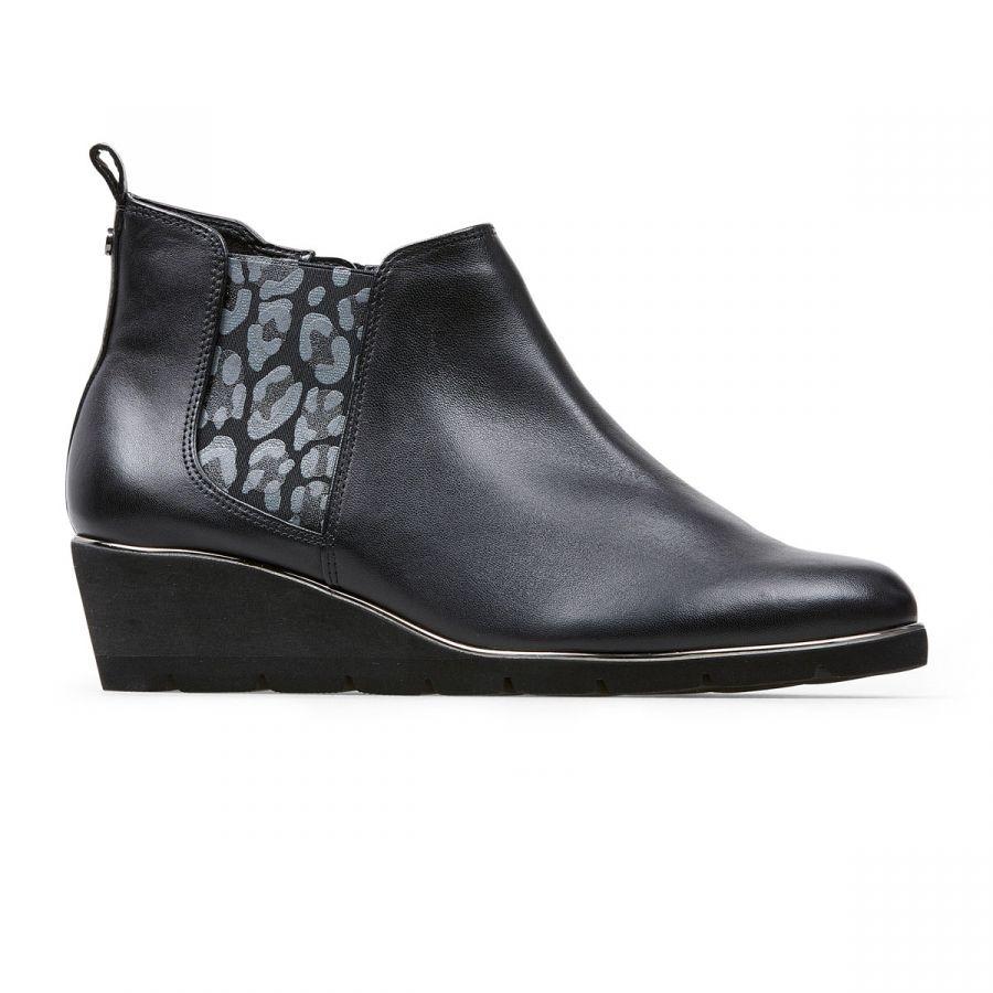 Russet - Black Leather
