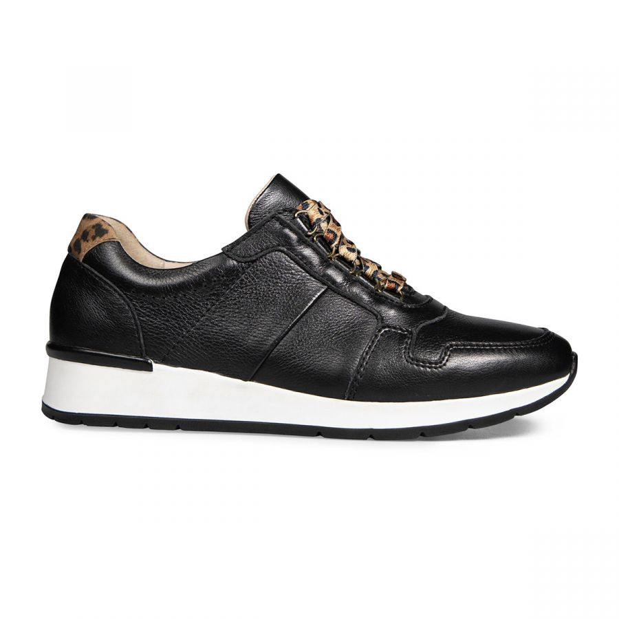 Reydon - Black Leather